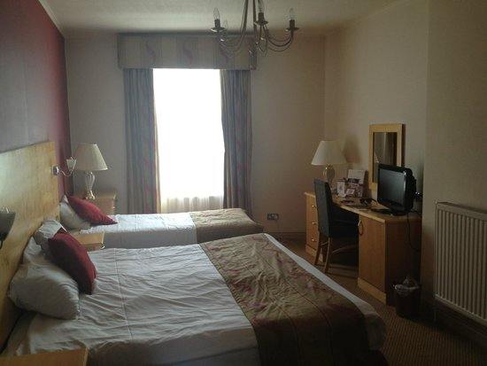 Royal Hotel Scarborough: Large room