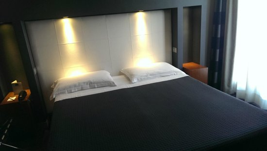 Hotel Metropolis - Chateaux & Hotels Collection: Letto
