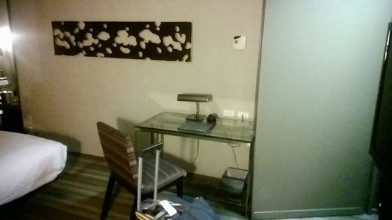 MGM Grand Hotel and Casino : Room picture 4