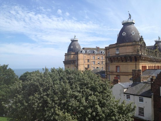Royal Hotel Scarborough: The sea is barely noticeable from the superior sea view room