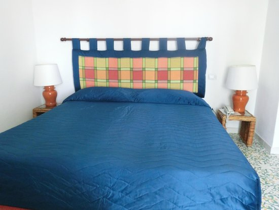 Hotel La Residenza: Кровать в номере