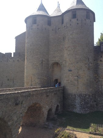 Château Comtal : L'entrée du château