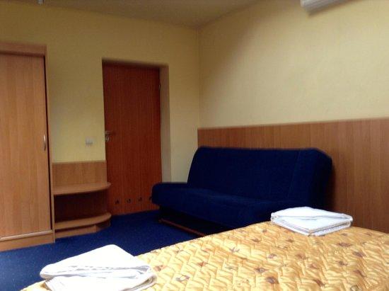 Alexander Hotel: Annex room