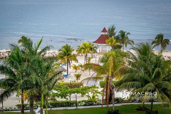 Grand Bahia Principe Jamaica: The Wedding Gazebo