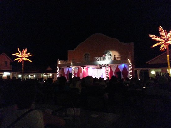 Grand Bahia Principe Jamaica : Nightly Entertainment at the Square