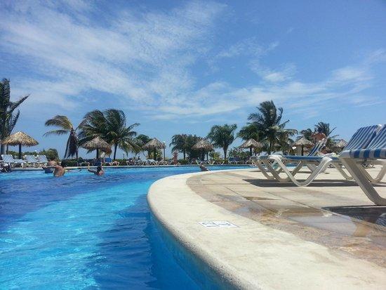 Grand Bahia Principe Jamaica: The Pool