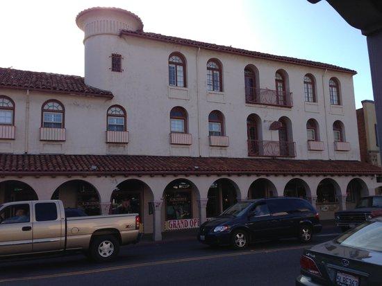 Sonora Inn : Outside the Inn