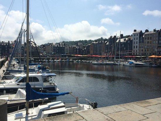 Le Vieux Bassin : Vieux Port
