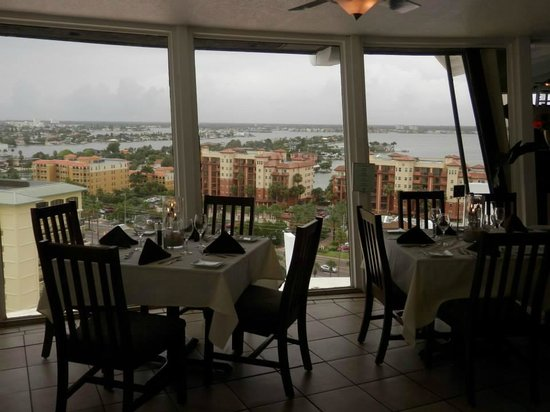 Grand Plaza Beachfront Resort Hotel & Conference Center : View from Spinners