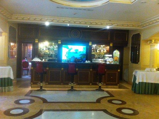 Grand Hotel Vanvitelli: Bar
