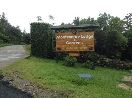 the enterance to Monteverde Lodge & Gardens