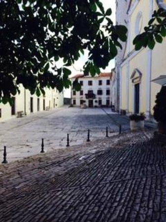 Hotel Kastel: Old town square