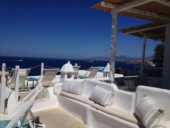 Omiros Hotel: Terrazza principale, per colazione e relax