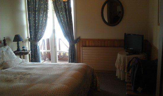 Hotel Frau Holle : habitacion con vista al lago