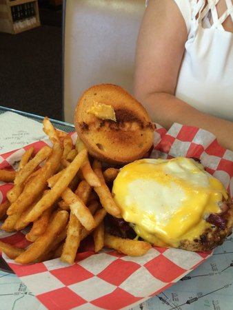 Brooks Gourmet Burgers & Dogs: Turkey burger with cheese and fried egg