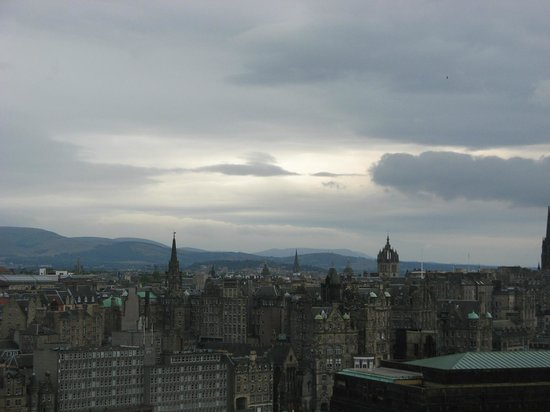 Calton Hill: view of Edinburgh looking west