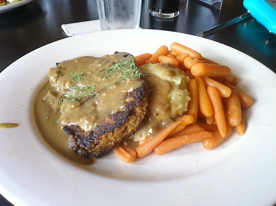 Gella's Diner & Lb. Brewing Co.: Meatloaf w/ Horseradish sause and carrots