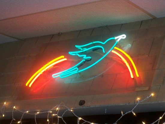 Bluebird Cafe: Neon Inside