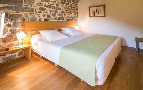 Hotel Rural Torre de Uriz: habitacion