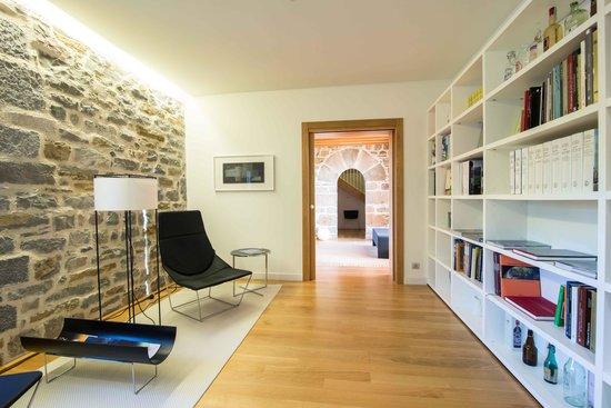Hotel Rural Torre de Uriz: biblioteca