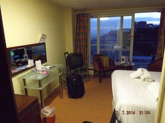 Grand Burstin Hotel: 9th Floor Double Bedroom