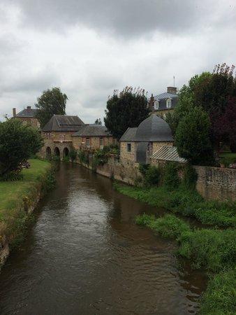 Best Western Le Moulin De Ducey : Blick aus unserem Zimmer !!!
