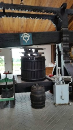 Pelee Island Winery: Wine Press from the 1700s