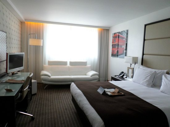 Pestana Chelsea Bridge : Chambre