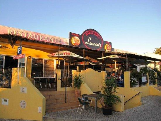 Lennon's Bar and Grill: Lennon's Bar and Restaurant, Almancil, Algarve