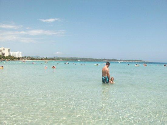 Catalonia Colombo : on the beach