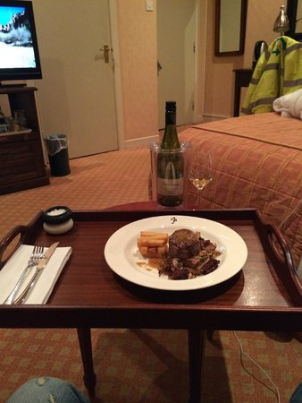The Falcondale Hotel: Room Service, with amazing wine and food :)