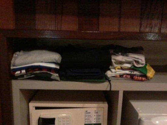 Hotel Laghetto Gramado: Arrumamos as roupas do jeito que deu
