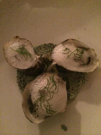 The Musket Room : shigoku oysters with cava foam and ginger jelly