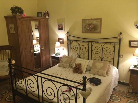 Il Giglio d'Oro : Our charming room