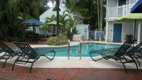 Lighthouse Court Hotel in Key West: The pool