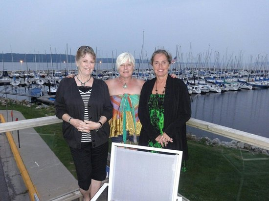 Nosh Restaurant & Bar: It really was 75°, this is us with the marina and Lake Pepin in background.