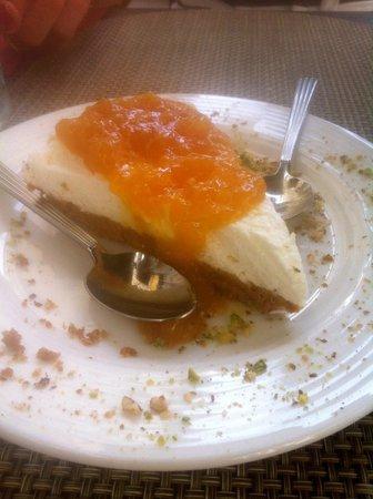 Il Desco Bistro : cheesecake au mascarpone, confiture de pèche.