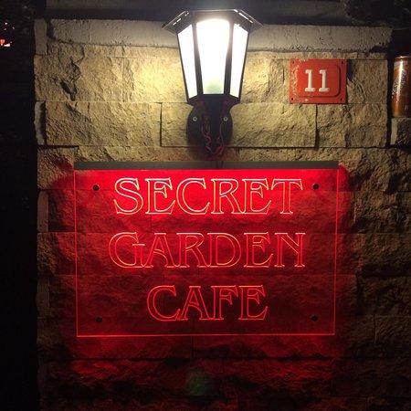 Ada Palas Buyukada Boutique Hotel: Secret garden cafe