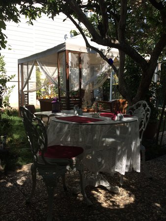 Ada Palas Buyukada Boutique Hotel: The Secret Garden...