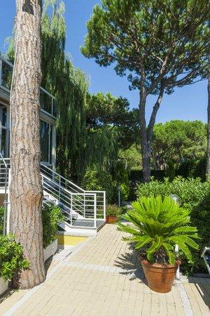 Aparthotel Harvey a Jesolo: Giardinetto