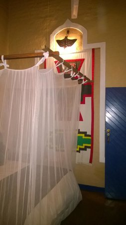 Lokuthula Lodges: mosquito nets are great for catching dust