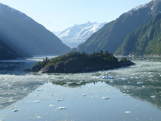 Tracy Arm Fjord: Peaceful unspoiled beauty