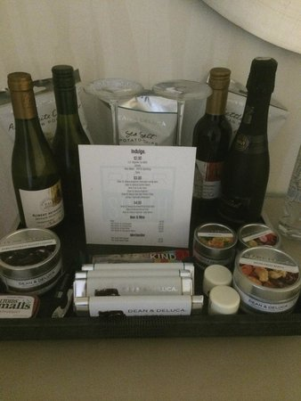 Pier South Resort, Autograph Collection: Reasonably priced snacks in the room !