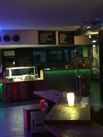 Generator Hostel Dublin: food bar