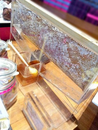W Bangkok: fresh honey from an actual bee hive