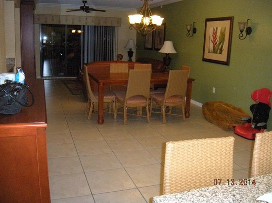 Westgate Lakes Resort & Spa: Dinner table/ front room