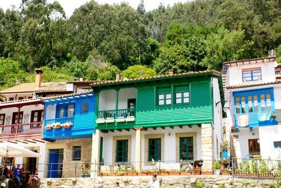 casas de Tazones