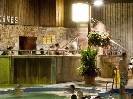 Ainsworth Hot Springs Resort: Summer fun