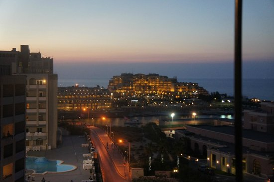Golden Tulip Vivaldi Hotel: uitzicht vanaf dakterras