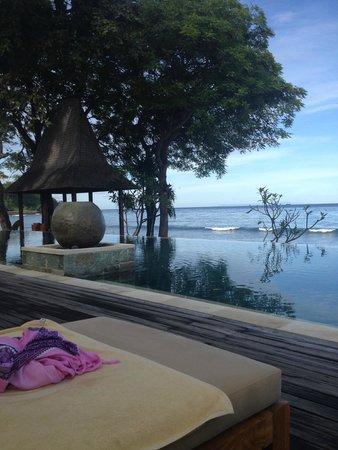 Qunci Villas Hotel: View from pool